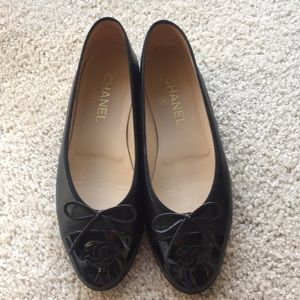 Chanel black patent cap toe leather flats
